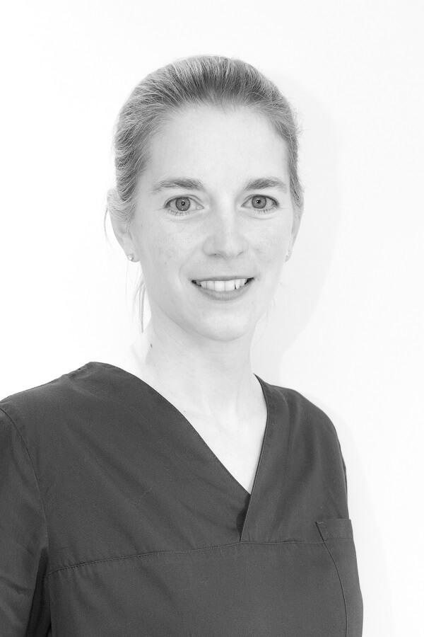 Dr Elisabeth Cravatte